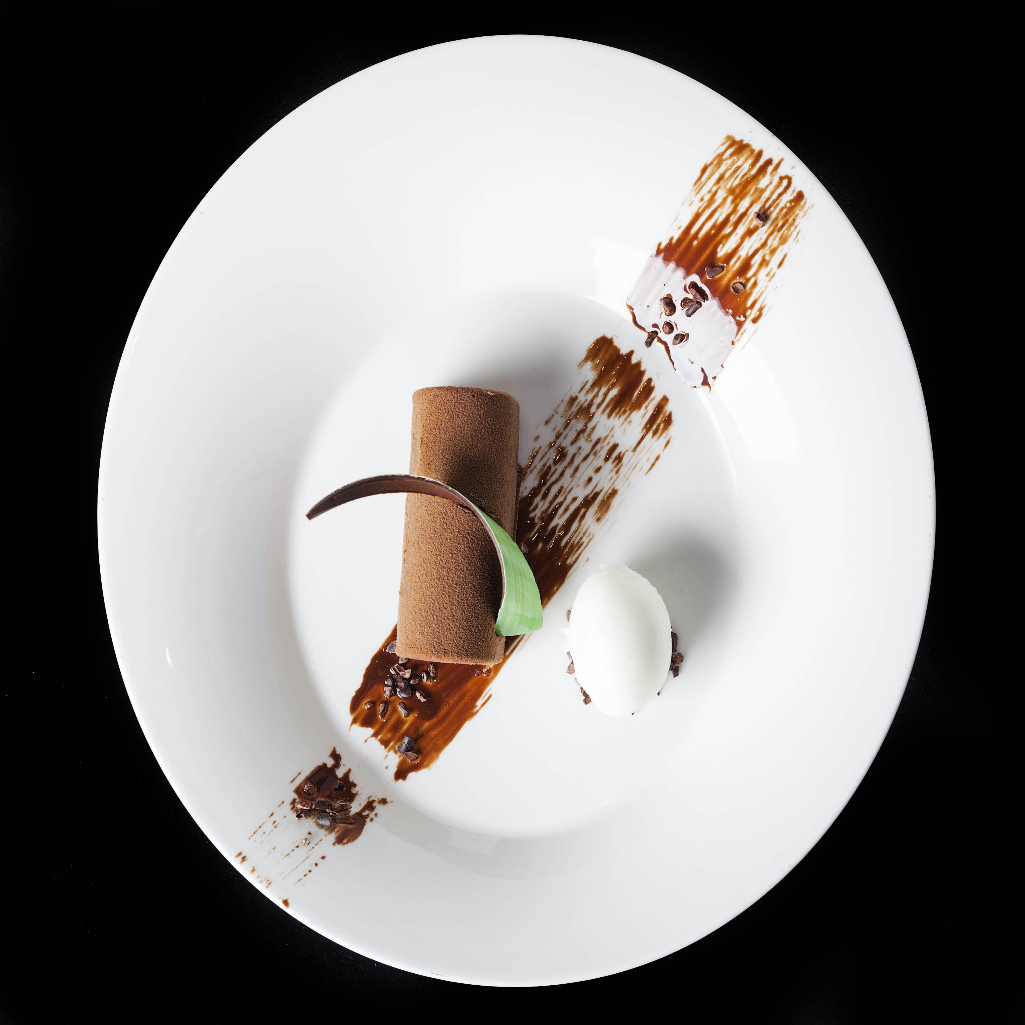 11.1 Valrhona Chocolate & Wexford Raspberry Cremenux Cylinder (3)