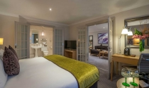 Junior-Suite-Clayton-Hotel-Burlington-Road